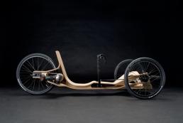 Ein Fahrzeug aus Formholz von Andreas Patsiaouras