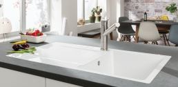 Weiße Küchenspüle Siluet von Villeroy und Boch