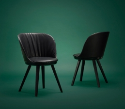 Freifrau Romy Stuhl und Sessel